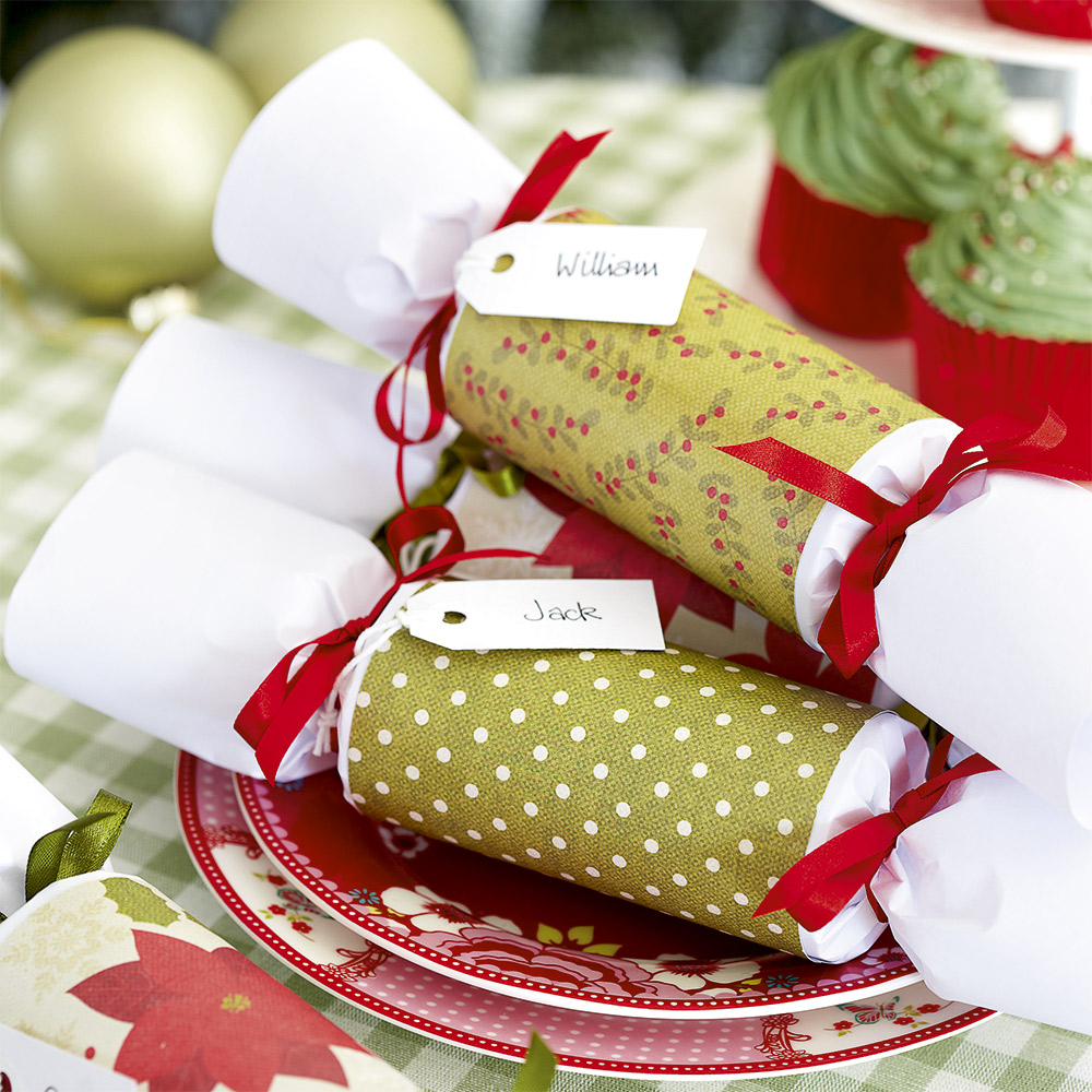 Homemade Christmas Decorations Uk: Make Homemade Christmas Crackers For The Whole Family
