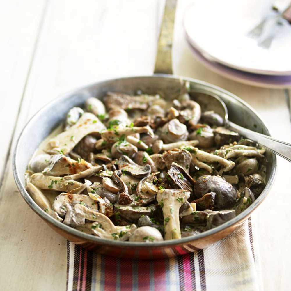 Mushroom Stroganoff Recipe: A Warming Veggie Wonder!