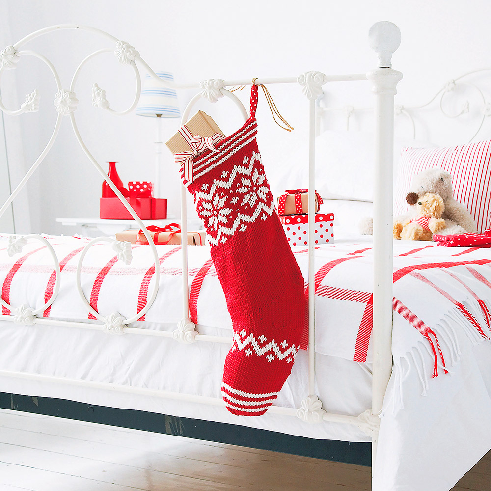 Knit Your Own Christmas Stocking With This Free Knitting ...