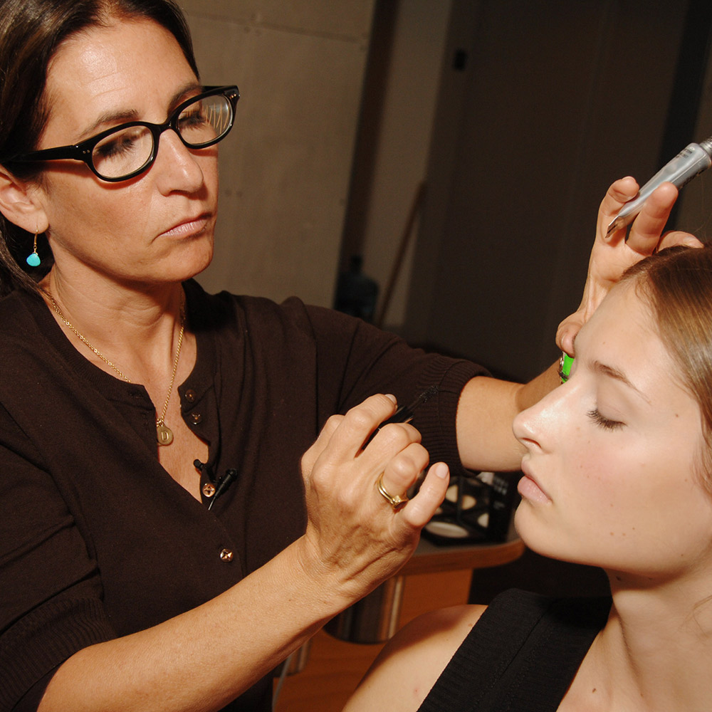 How To Conceal Under Eye Bags And Shadows Expert Tips From Bobbi Brown