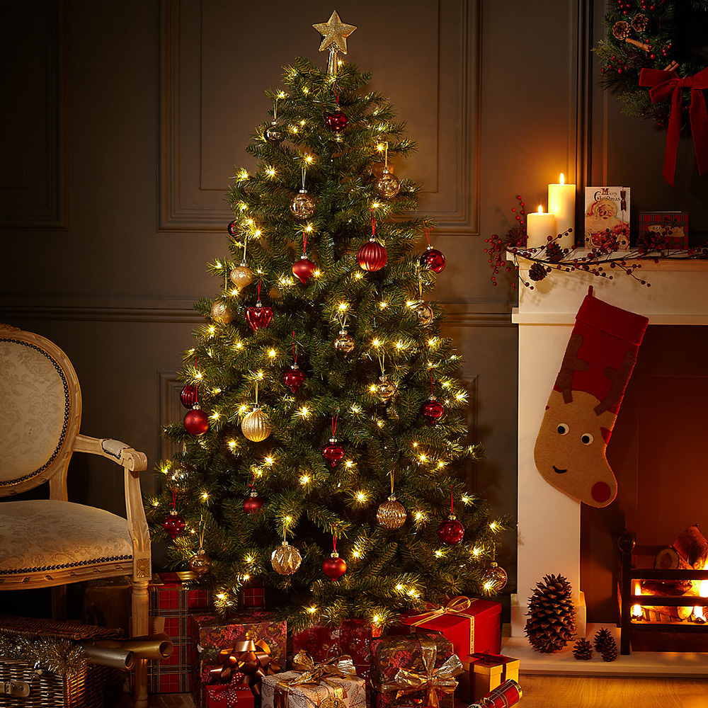 The Christmas Trees: The Best Artificial Christmas Trees