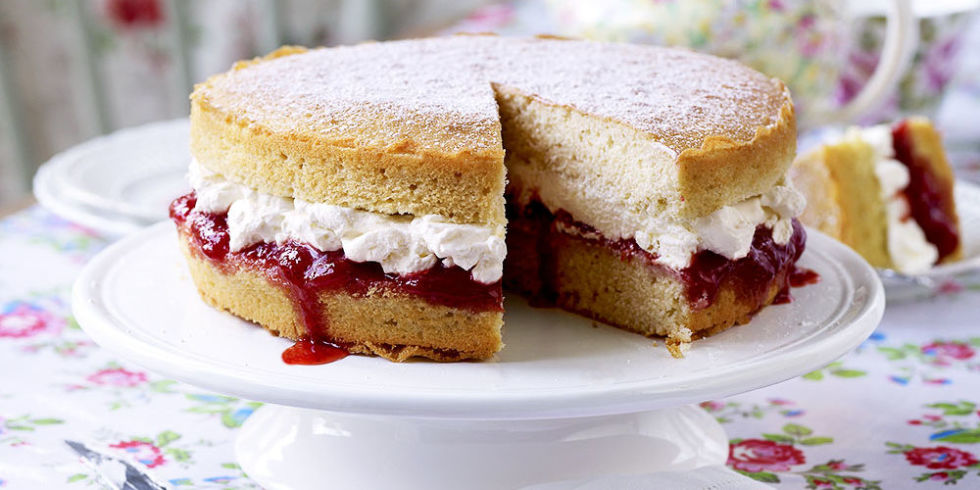 Fresh Cream Victoria Sponge Cake Recipe
