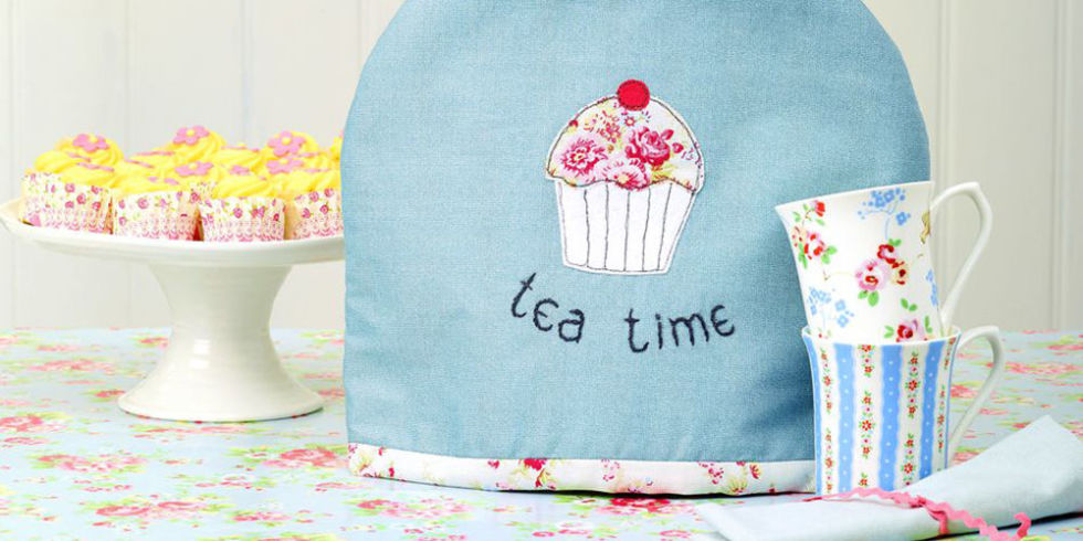 Get Creative With Embroidery: Sew A Cupcake Tea Cosy : quilted tea cosy - Adamdwight.com