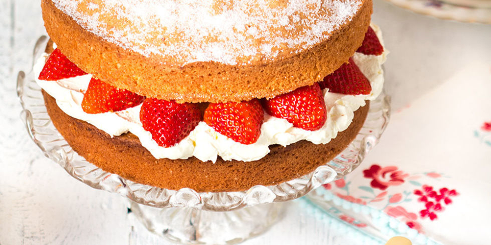 Sponge Cake Decoration Images : Strawberry madeira cake recipe - Food fast recipes
