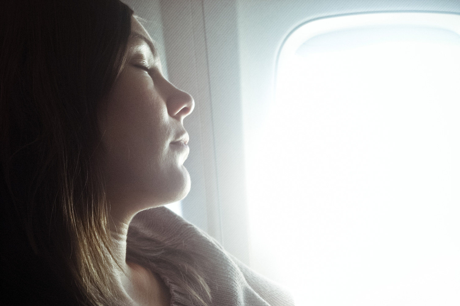 Put Down The Sleeping Pills How To Beat Jet Lag Naturally
