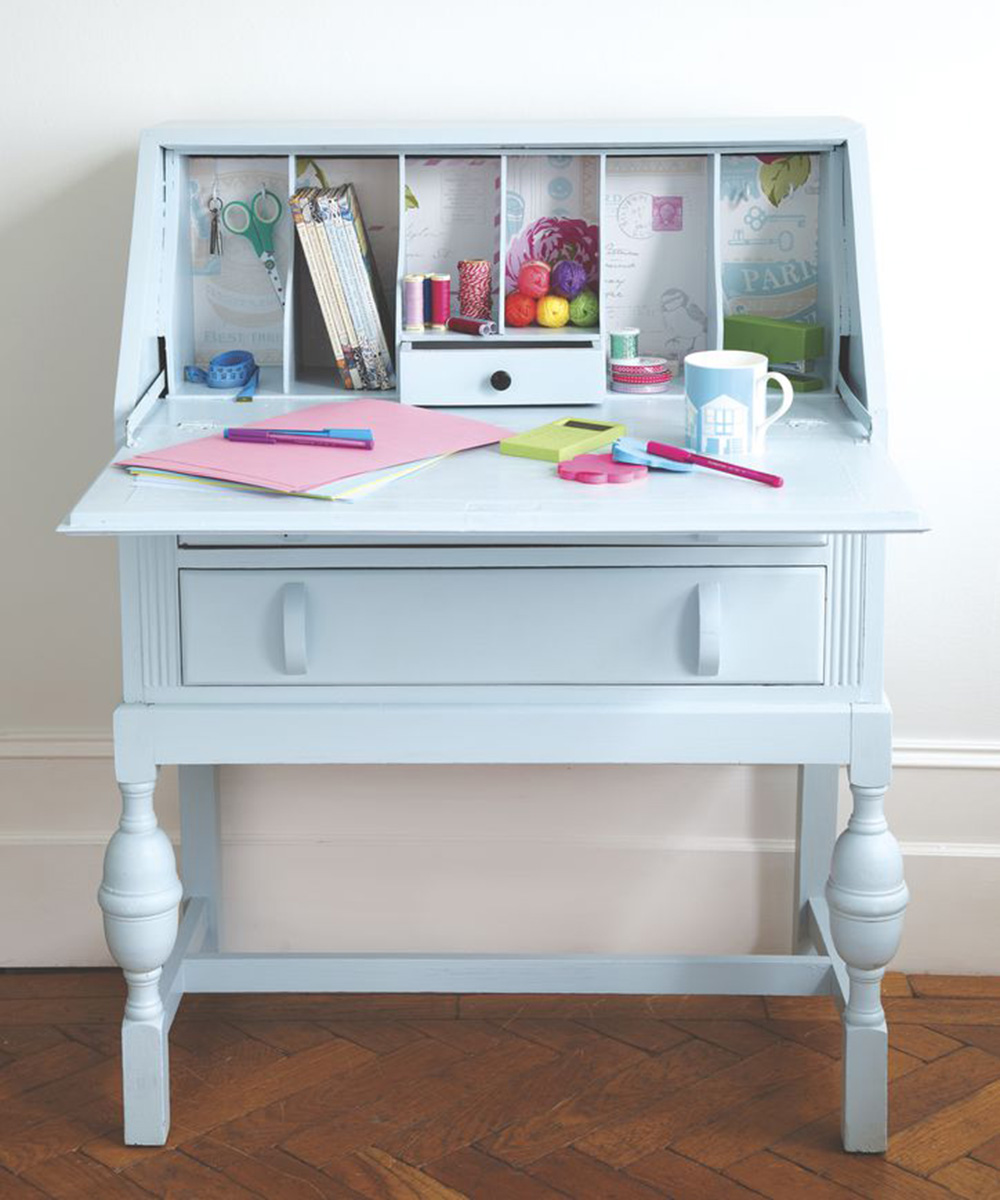 Upcycled Furniture Spruce Up An Old Desk With Paint