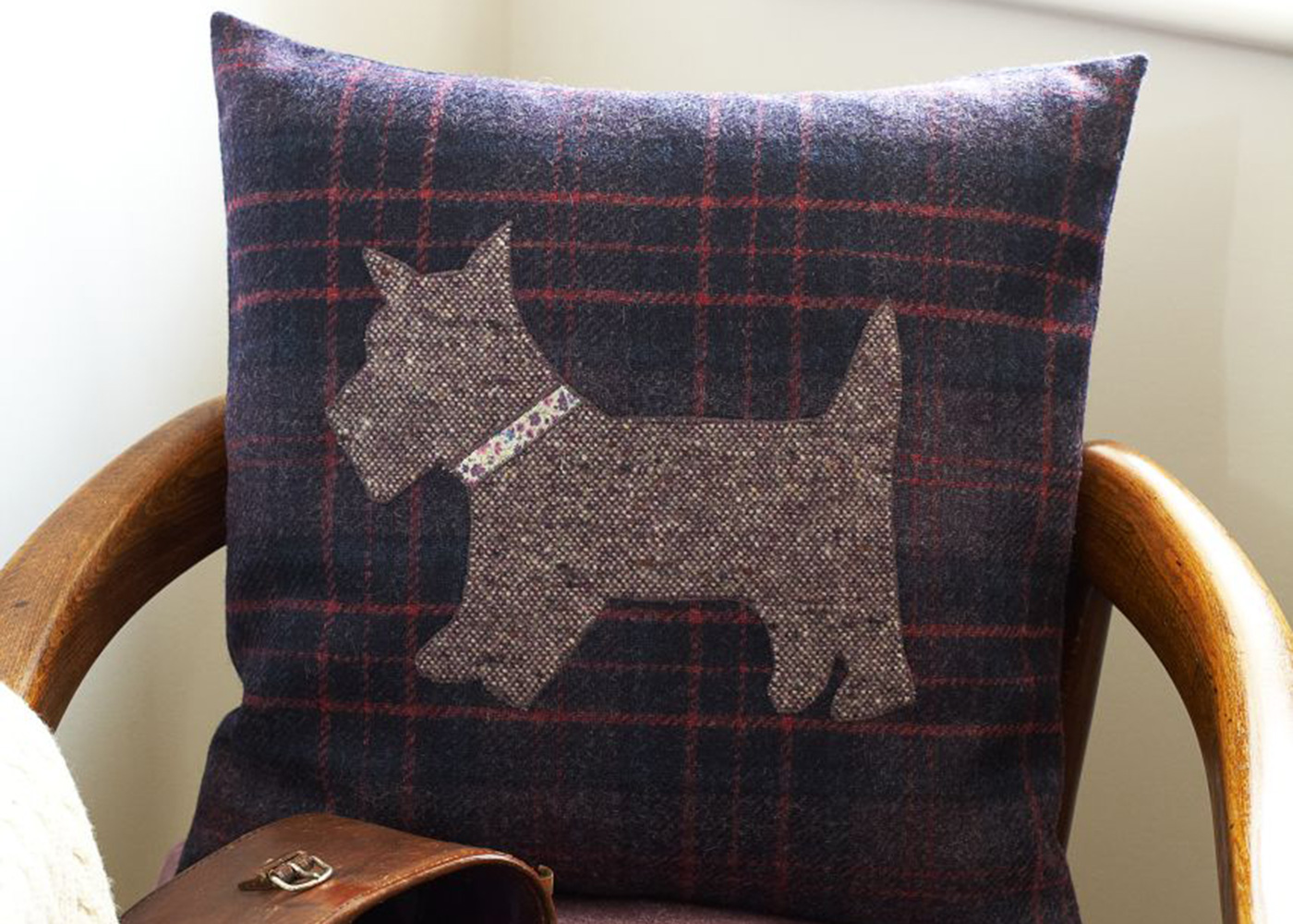 Free Sewing Patterns Applique Cushions With Dog Motif