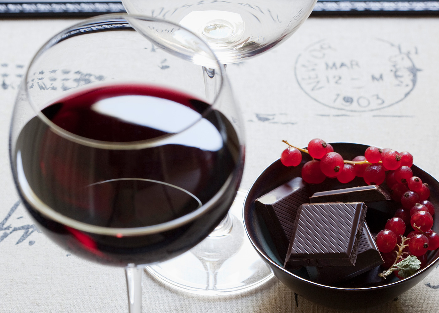 The Sirtfood Diet A Red Wine And Chocolate Diet That Works