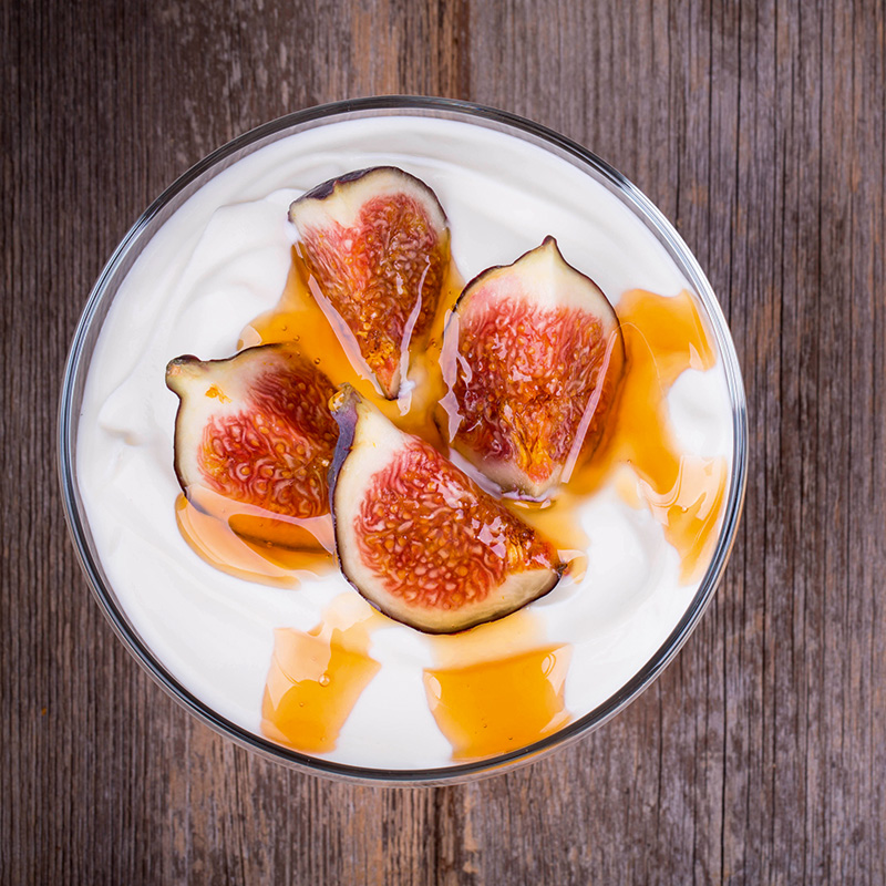 Yoghurt with figs