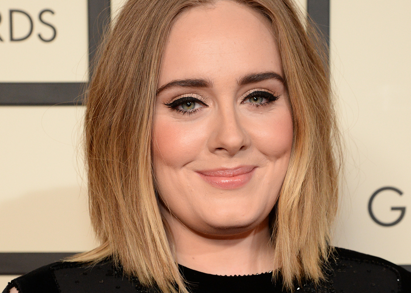 Lisa eldridge make up tips how to nail the adele eyeliner look baditri Image collections