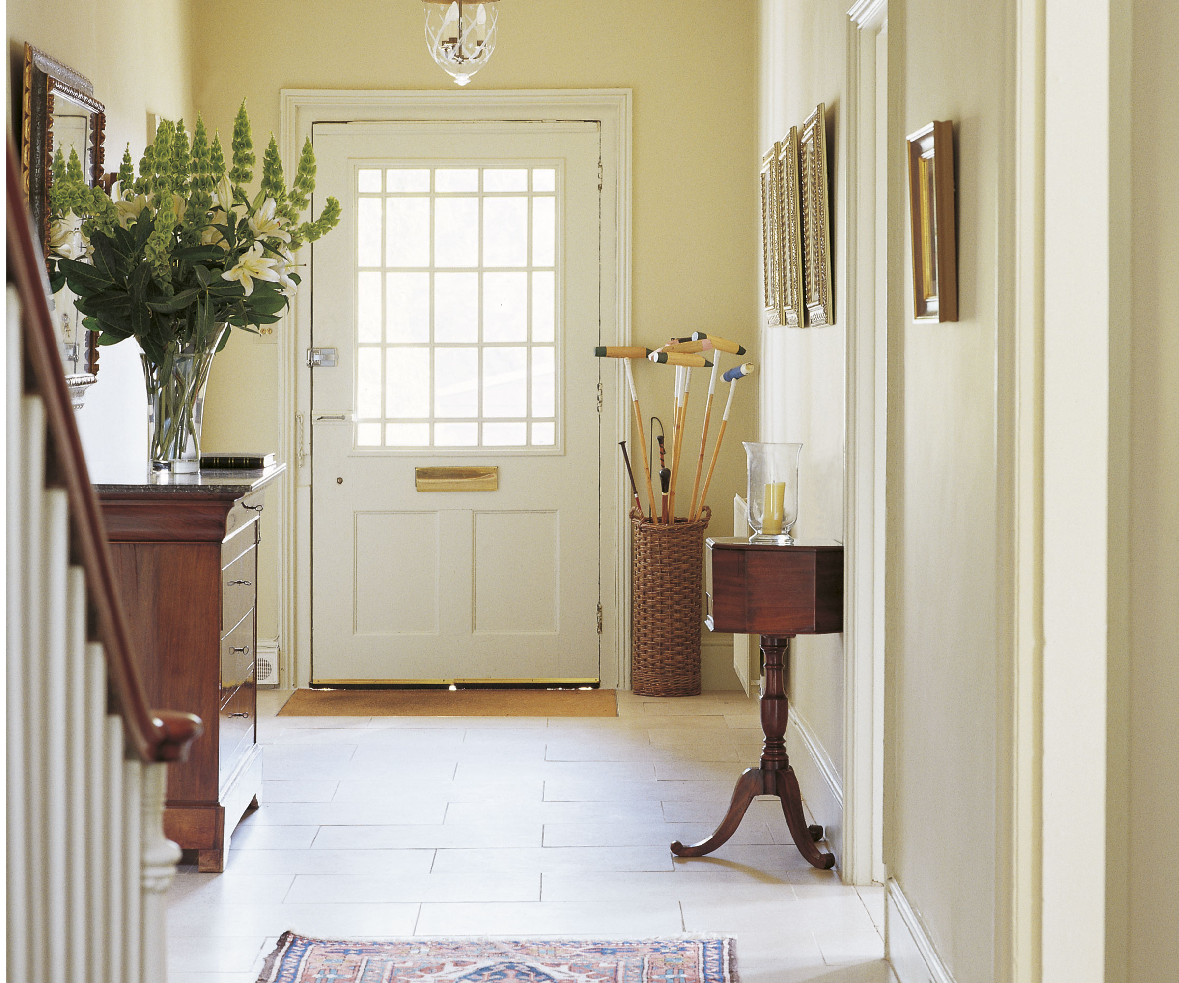 First Impressions 10 Ideas For Entrance Hallway Decor: Hallway Decorating Ideas To Make The Most Of Your Entrance Way