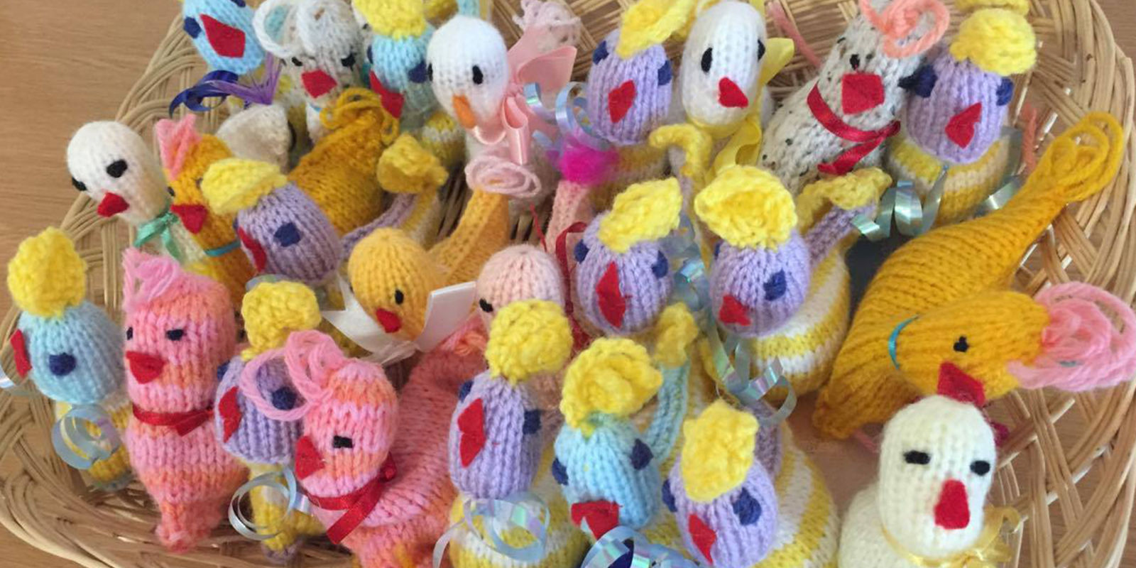Knitting Easter Chicks : People are knitting easter chicks to help those with life