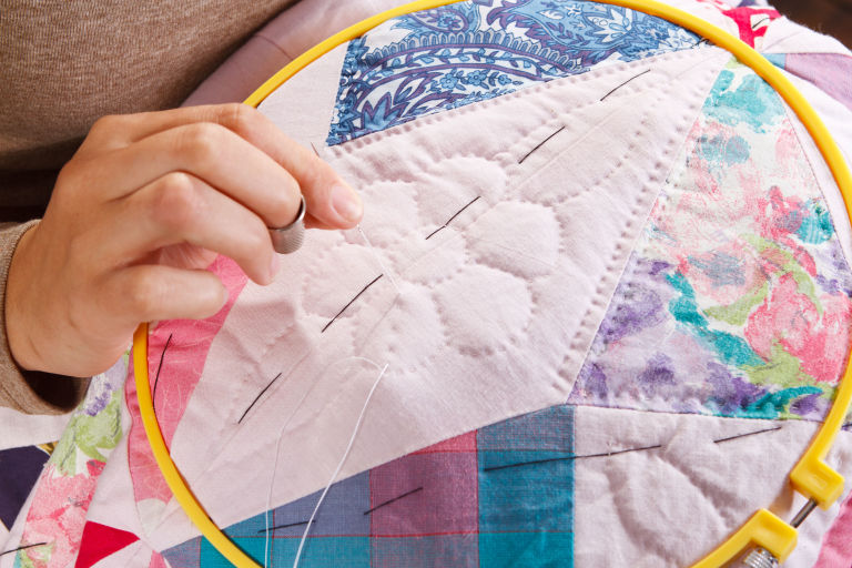 How to Make a Patchwork Quilt - Try Our Beginner's Guide To ... : make patchwork quilt - Adamdwight.com
