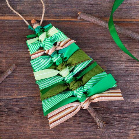 How To Make Mini Christmas Tree Decorations – Mini Twig ...